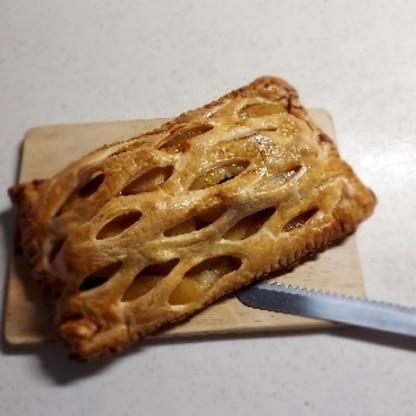冷凍パイシートで巨大なアップルパイ作ってみました。大好評でした。