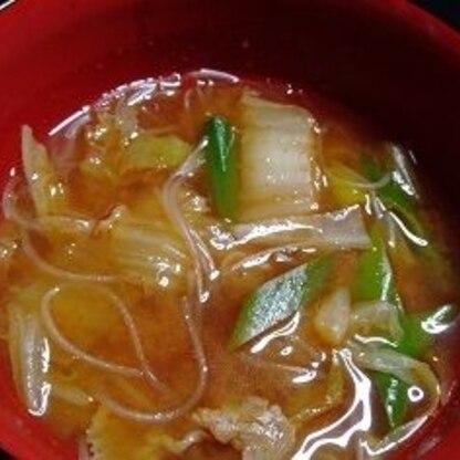 キムチを消費したくて作りました。食べると本当に身体の芯からポッカポカ!で私は顔に汗が(笑)ごちそうさまでした。
