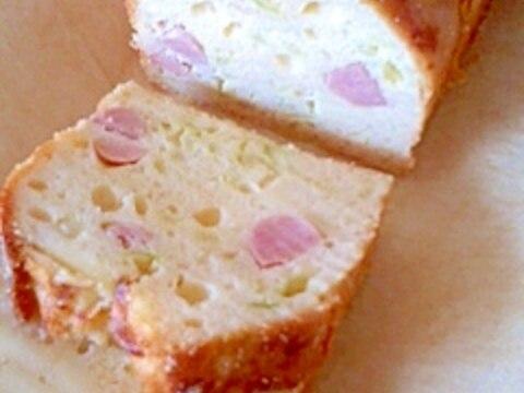 ウインナーとチーズのケーク・サレ