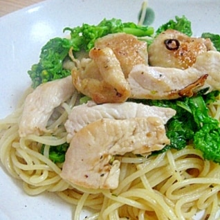 鶏皮カリっと!菜の花と鶏肉のペペロンチーノ
