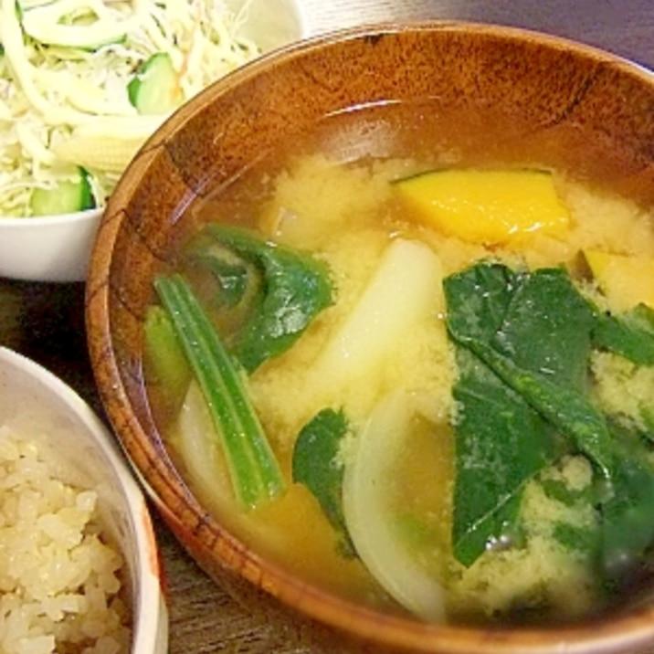 具たっぷり★カボチャとジャガイモのお味噌汁