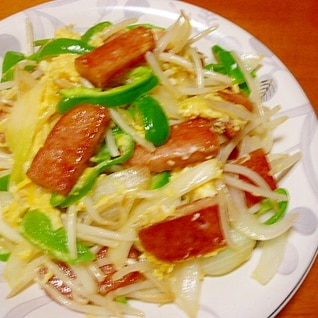 SPAMと卵の炒め物