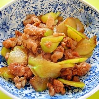 隼人瓜と豚肉の甘辛炒め