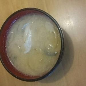 メバルのあらの味噌汁