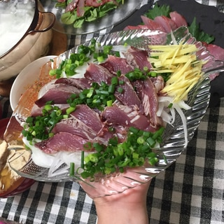 ソウダガツオ のタタキ サラダ たまねぎスライス!