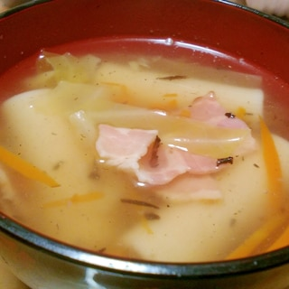 マカロニとベーコンの和風スープ