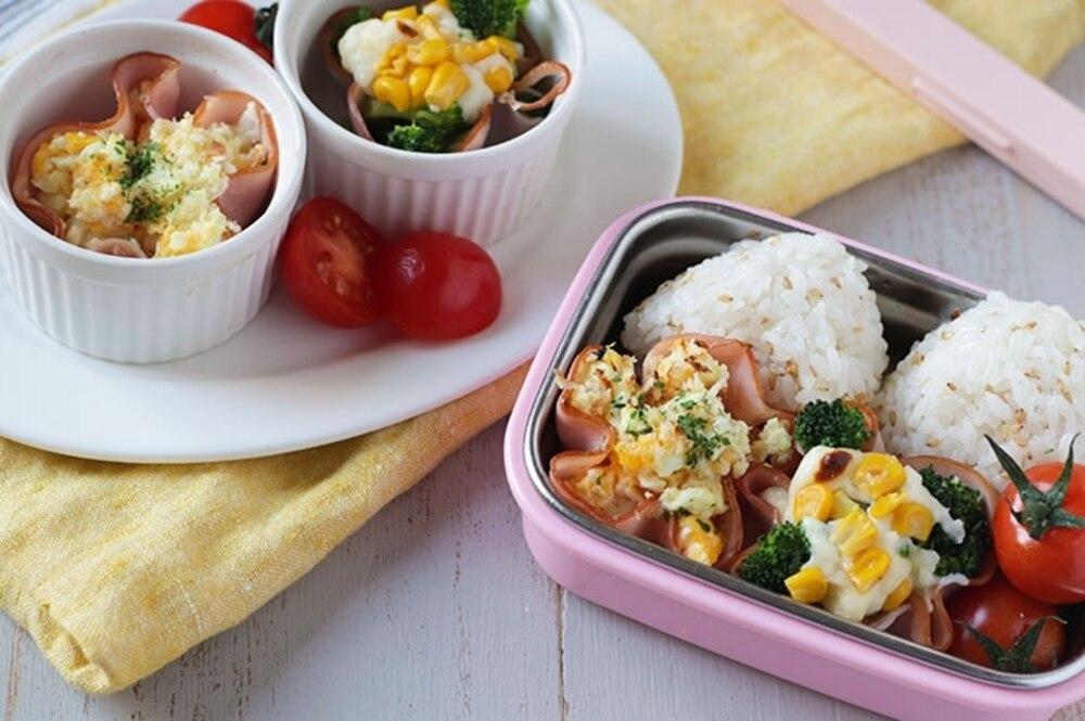 「お花のハムカップグラタン」レシピ