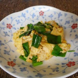 九条ネギと卵のめんつゆ炒め