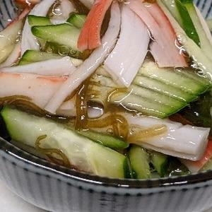 簡単小鉢☆胡瓜・カニカマ・もずく黒酢和え