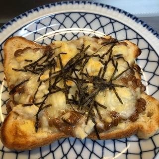 ネバネバ♪和風♪納豆チーズピザトースト^_^