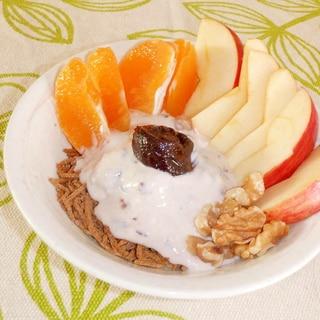 果物たっぷり♪あんこヨーグルトでオールブラン朝食