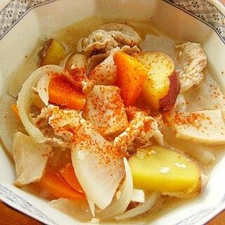 簡単シャッキリ❤さつま芋とタマネギでトン汁♪