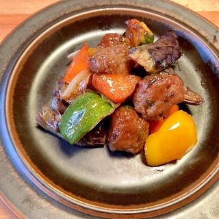 夏野菜と肉だんごの甘酢炒め