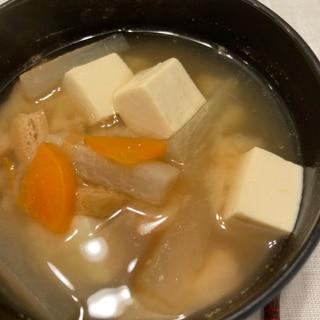 人参と大根と豆腐とお揚げの味噌汁