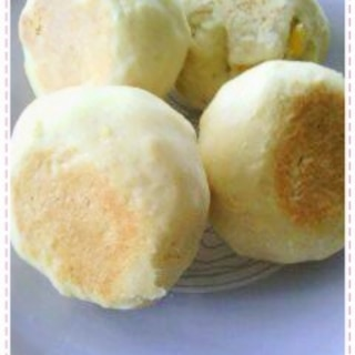 フライパンで焼くコーンクリーム入りパン 発酵なし
