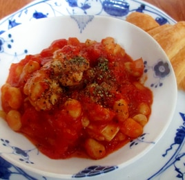鶏肉と大豆のトマト煮
