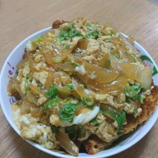 簡単!惣菜のチキンカツで卵とじ(´ 3`)