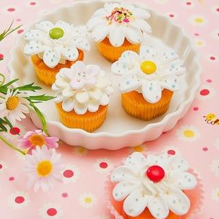 マシュマロでデコろう♪フラワーカップケーキ