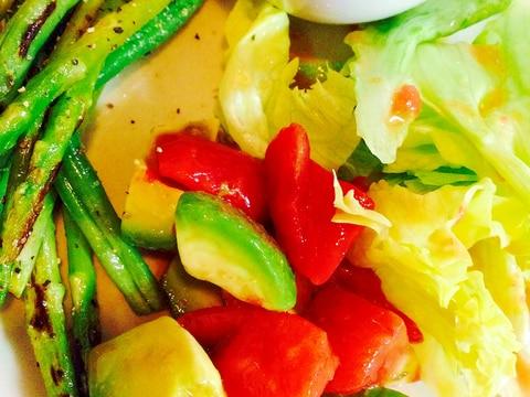 ★切って和えるだけ!アボカド&トマトの彩りサラダ♪