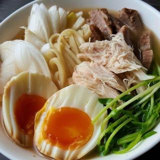 チャーシューの茹で汁がポイント☆沖縄そば風うどん