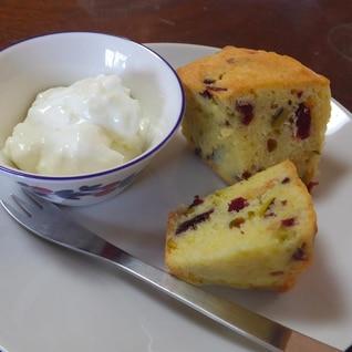 ピスタチオとクランベリーのプチケーキ