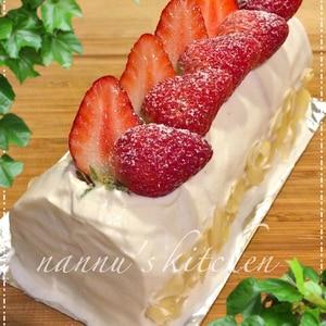 ロールケーキ?!いちごショート風ビスケットケーキ