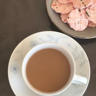 香ばしいアーモンド紅茶(๑・̑◡・̑๑)