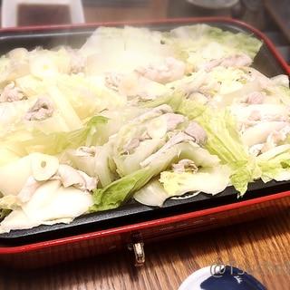 ホットプレート使用!白菜と豚肉のミルフィーユ蒸し鍋