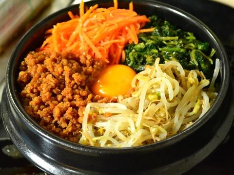 <定番シリーズ・土鍋可>簡単ナムルで石焼きビビンバ