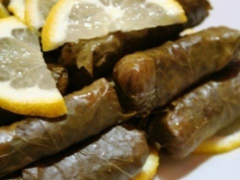 トルコ家庭料理★ピラフ入り、葡萄の葉ロール