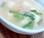 豆腐とニラの中華スープ