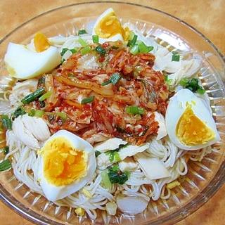 キムチ・サラダチキン・卵の素麺