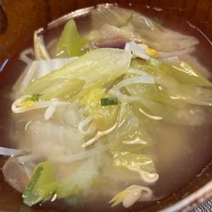 白菜長ねぎ舞茸のお味噌汁