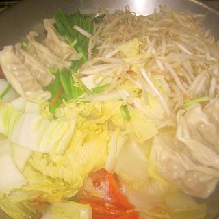 簡単!野菜たっぷりの餃子の中華風鍋