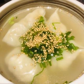 鶏白湯スープで水餃子