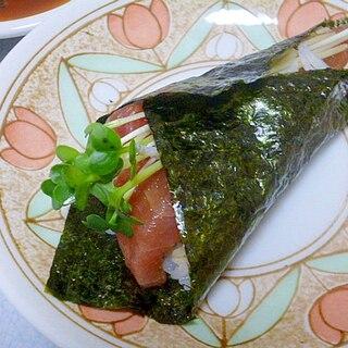 簡単♪漬けマグロとかいわれ大根とシラスの手巻き寿司