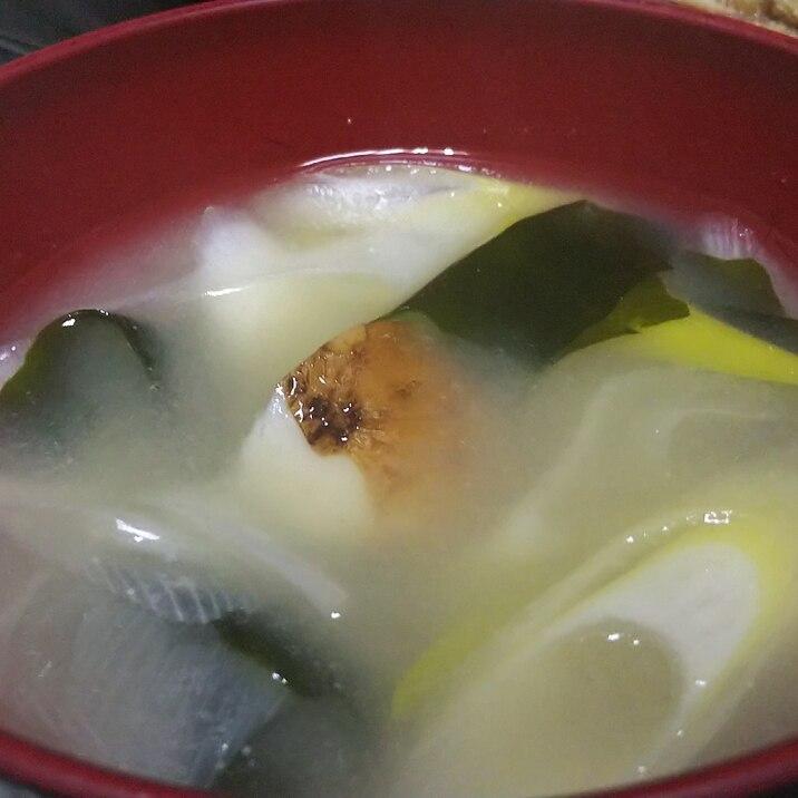 アピオスとわかめの味噌汁