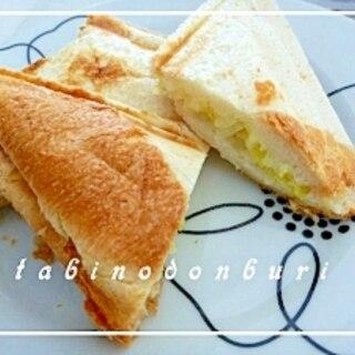 キャベツとチーズのホットサンド