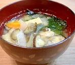 野菜たっぷりw(゚o゚)w わかめの味噌汁