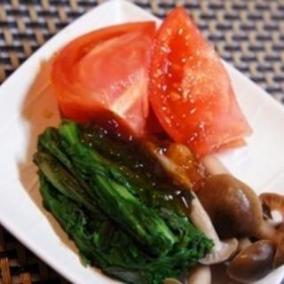 ノンオイルでヘルシー、蒸し野菜とトマトのジュレがけ