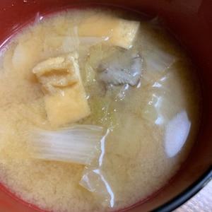玉ねぎ・大根・油揚げの味噌汁