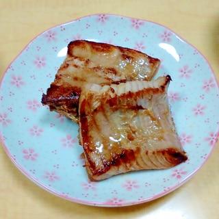 まぐろのすきみ(スジ肉)のステーキ