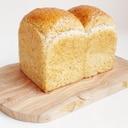 全粒粉山型食パン~五穀豊穣 焙煎香る全粒粉を使って