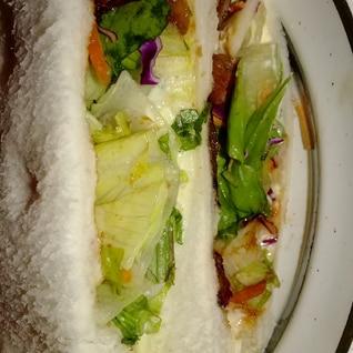 野菜たっぷり焼肉サンド