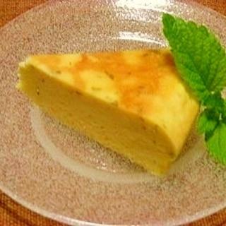 炊飯器で☆レモンバーム入りチーズケーキ