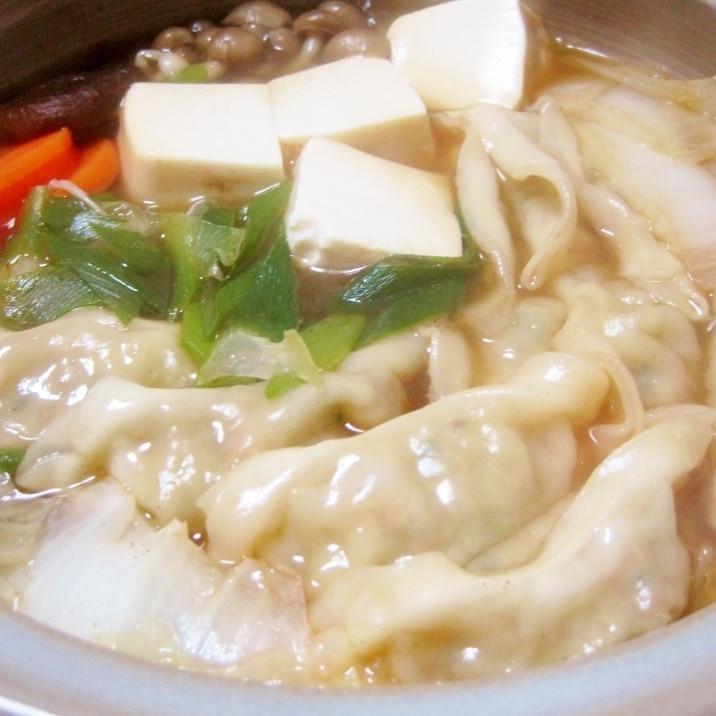 超簡単うまうま餃子鍋 市販の餃子と袋麺で レシピ 作り方 By yamat 楽天レシピ