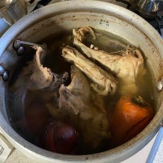 鶏ガラのボーンブロススープ