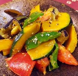 シンプル彩り野菜の蒸し炒め