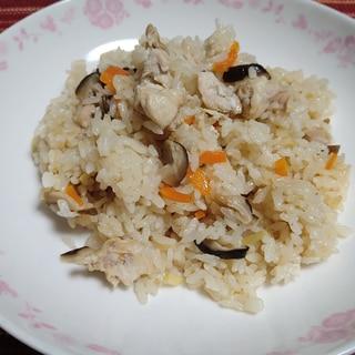 鶏と椎茸の炊き込みご飯(炊飯器利用)