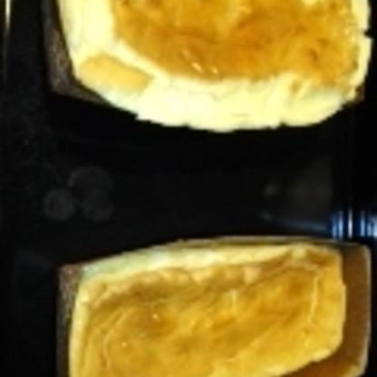 焼きあがりが、ふくらんでいてびっくりしたのですが、冷蔵庫で冷やしたら、とても濃厚でおいしかったです。簡単なので、また作りたいと思います。